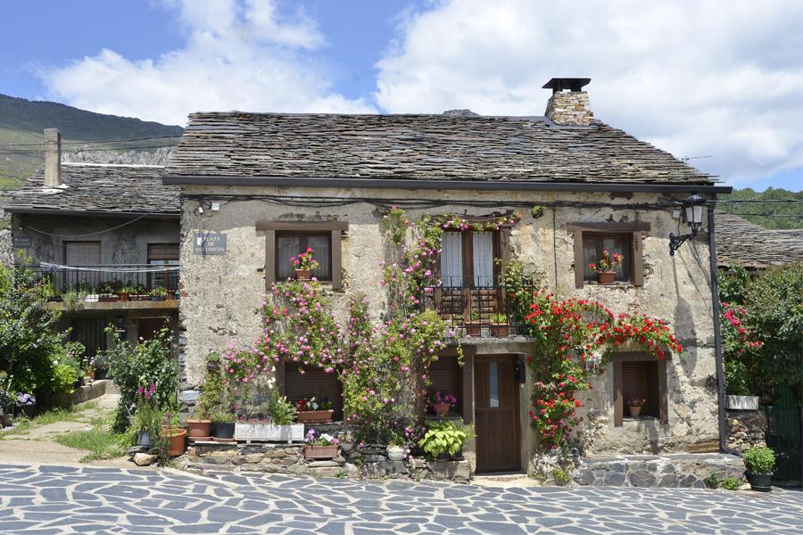 Valverde de los Arroyos, uno de los pueblos más bonitos de España