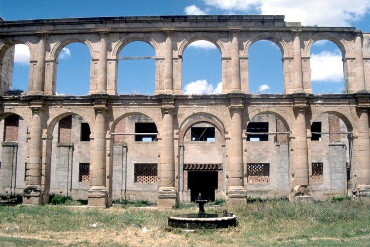 Sopetrán, un monasterio en ruinas