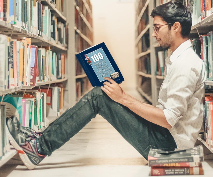 chico leyendo 100 propuestas esenciales para conocer Guadalajara